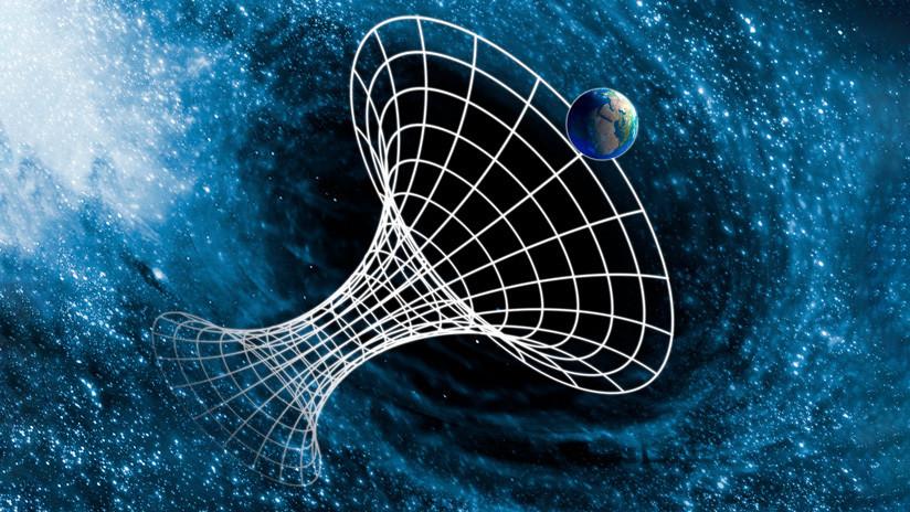 Elaboran un plan para detectar los agujeros de gusano en el espacio-tiempo