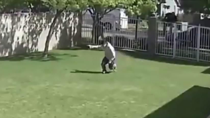 VIDEO: Un policía en EE.UU. dispara por la espalda a un adolescente desarmado y lo mata con un tiro en la cabeza