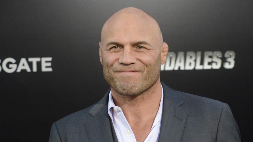 Hospitalizan tras un ataque cardiaco al exluchador de la UFC y estrella de 'Los indestructibles' Randy Couture