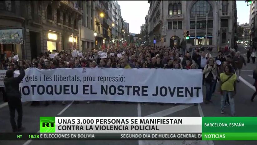 Unas 3.000 personas protestan en Barcelona por la violencia policial