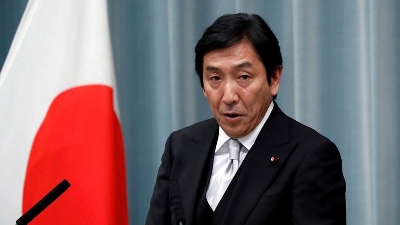 Ministro de Comercio de Japón renuncia tras ser acusado de regalar melones y cangrejos a sus votantes