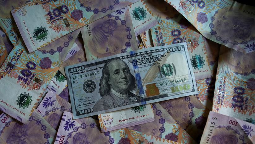 El dólar sube en Argentina y alcanza un nuevo récord a dos días de las elecciones