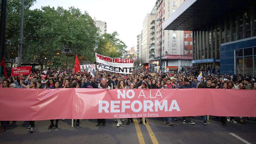 Uruguay dice 'no' a sacar a los militares a las calles y endurecer las penas de prisión