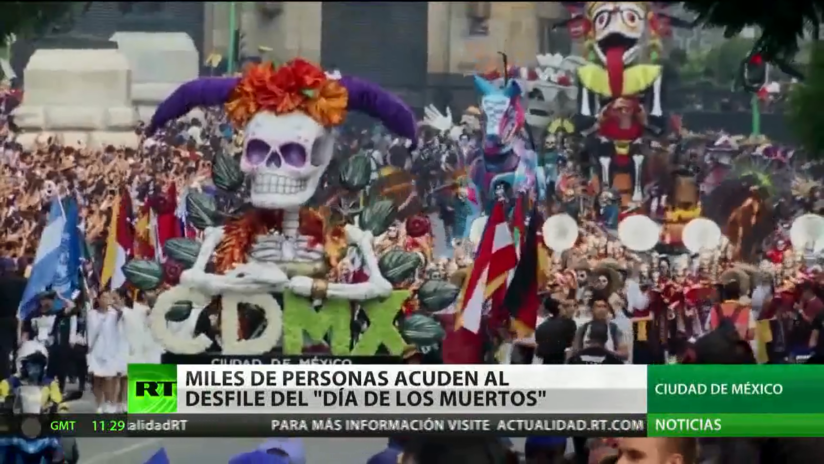 Ciudad de México celebra un desfile por el Día de los Muertos