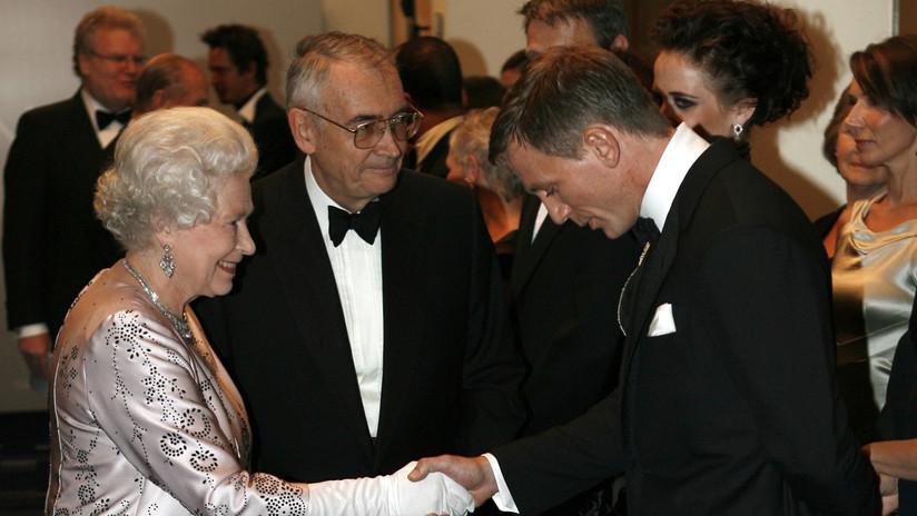 """""""Buenas noches, señor Bond"""": la única condición que puso la Reina Isabel para aparecer en el cameo con 007"""