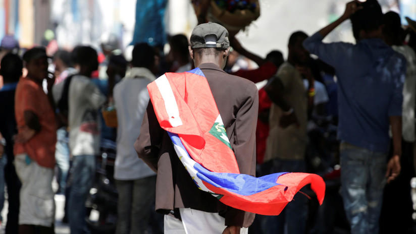 Se agrava la crisis política en Haití con otros dos muertos, incendios y protestas de la Policía