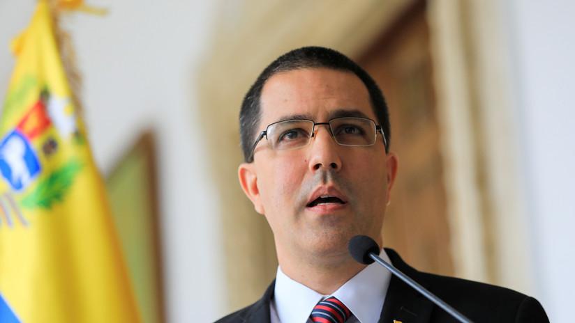 """Arreaza considera """"hipócrita"""" la postura de la UE, ACNUR y la OIM ante la migración venezolana"""
