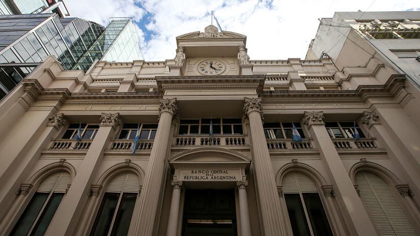 Argentina aumenta el presupuesto del 2019 en 684.000 millones de pesos para pagar deudas y gastos sociales