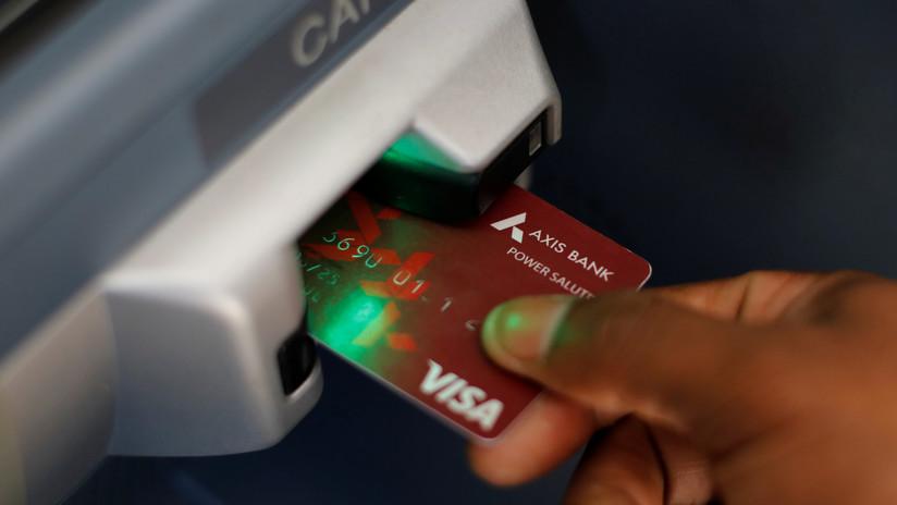 Roban datos de más de 1,3 millones de tarjetas bancarias y los ponen a la venta en el mercado negro