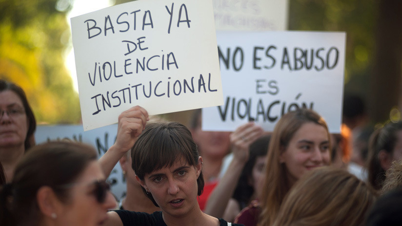 Penas de entre 10 y 12 años de cárcel para cinco jóvenes acusados de violar en grupo a una menor en España