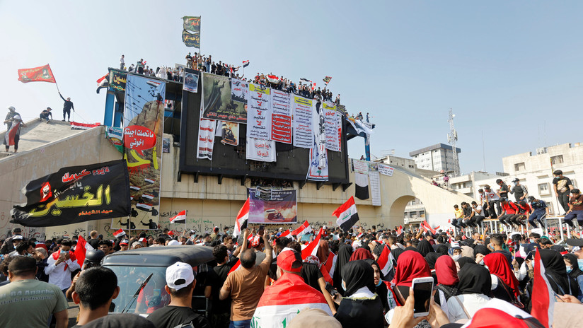 El primer ministro de Irak acepta renunciar en medio de las violentas protestas que se apoderan del país