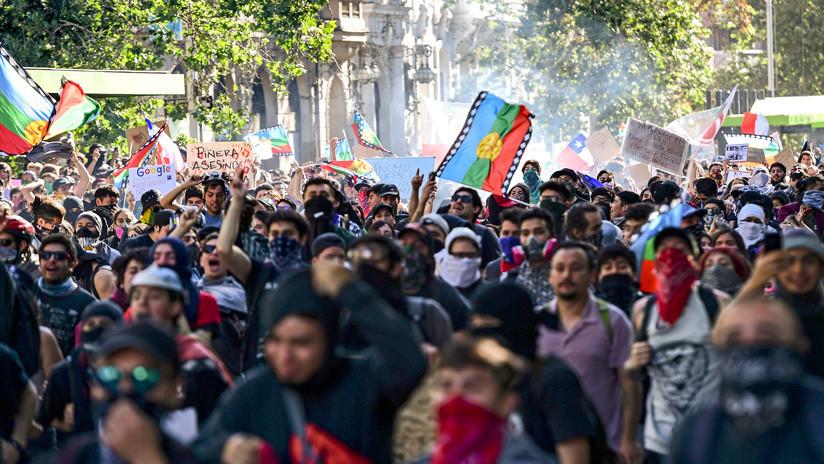 ¿Ocultar la represión o perder dinero? Causas y consecuencias de la cancelación de las cumbres en Chile