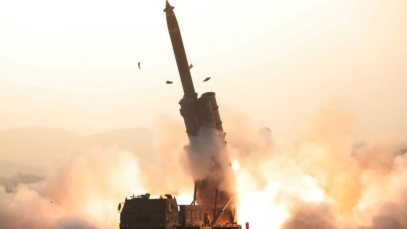 Corea del Norte prueba con éxito un sistema de lanzacohetes múltiple