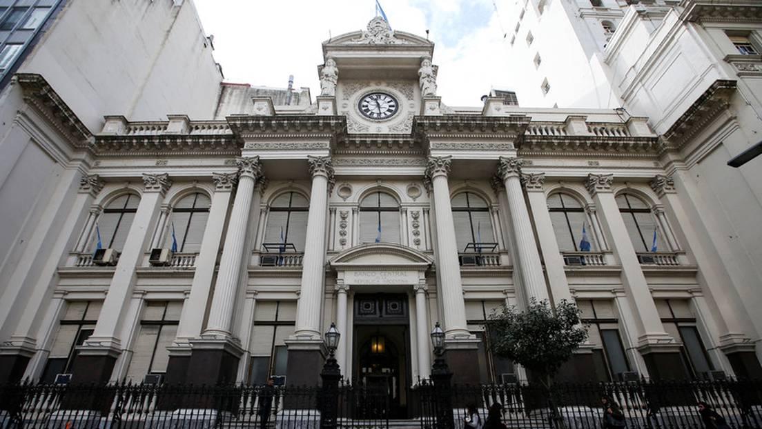Banco Central de Argentina limita a 200 dólares al mes la compra ...
