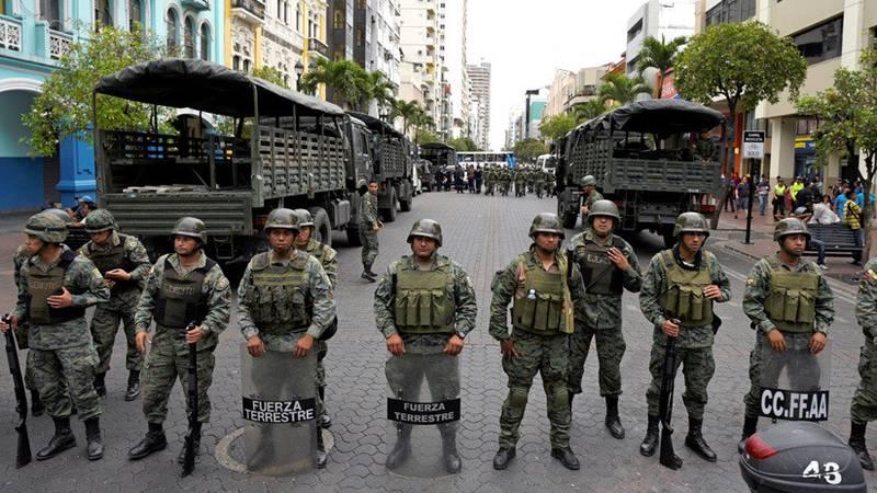 La nueva directriz de las Fuerzas Armadas de Ecuador: identificar y neutralizar a grupos insurgentes