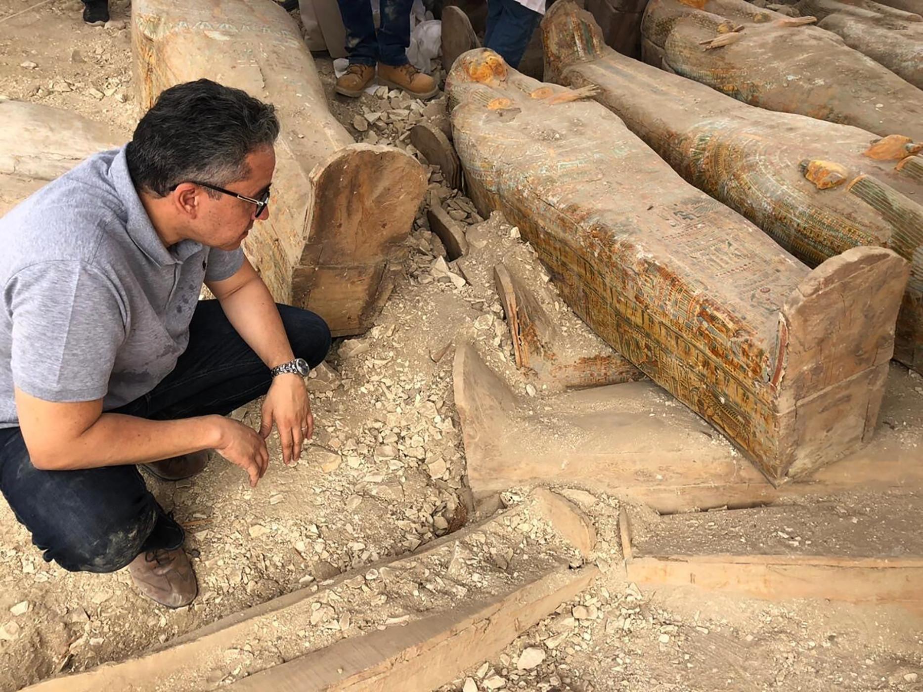 Arqueólogos hallan nuevos sarcófagos con momias egipcias en templo de Luxor [FOTOS]