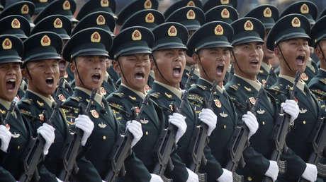 Misiles balísticos, drones supersónicos y otros equipos: qué desveló el desfile militar de China (VIDEOS, FOTOS)