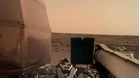 Imagen tomada desde la sonda InSight en la superficie de Marte, el 26 de noviembre de 2018.