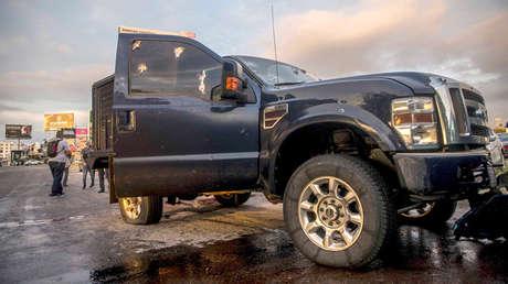 Un camión con impactos de balas después de una serie de bloqueos y enfrentamientos en Culiacán, Sinaloa, norte de México, el 17 de octubre de 2019.