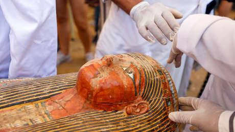 Presentan nuevos detalles de los 30 ataúdes con momias descubiertos en Egipto (FOTOS)