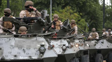 Soldados patrullan Santiago de Chile, el 20 de octubre de 2019.
