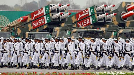 Soldados de la Marina paquistaní durante el desfile militar del Día de Pakistán, Islamabad, el 23 de marzo de 2019.