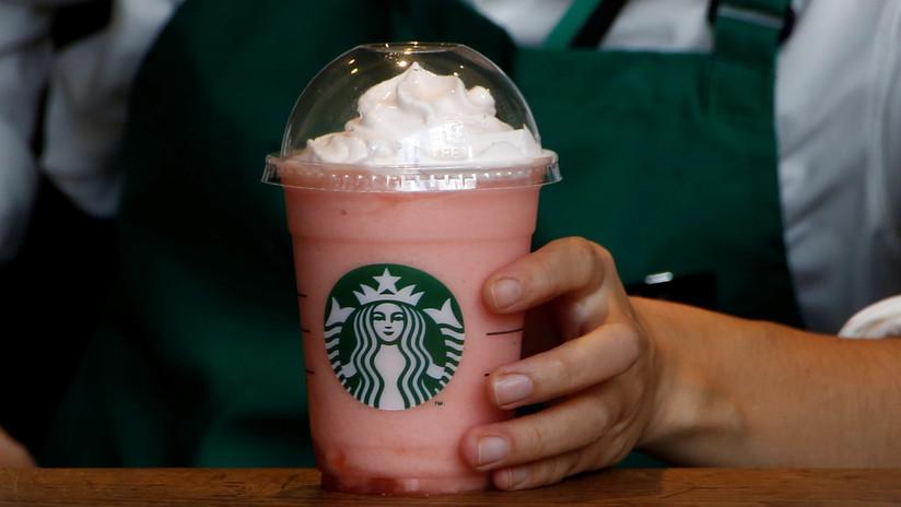 Demandan a Starbucks por discriminación racial y despedir a una gerente por ser blanca