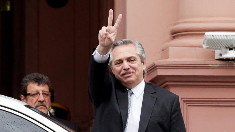 """Alberto Fernández califica de """"estafador"""" a Bugs Bunny y estallan las bromas en las redes"""