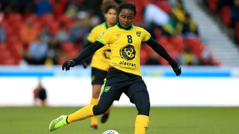 Asesinan a puñaladas por un móvil a una futbolista internacional de la selección de Jamaica