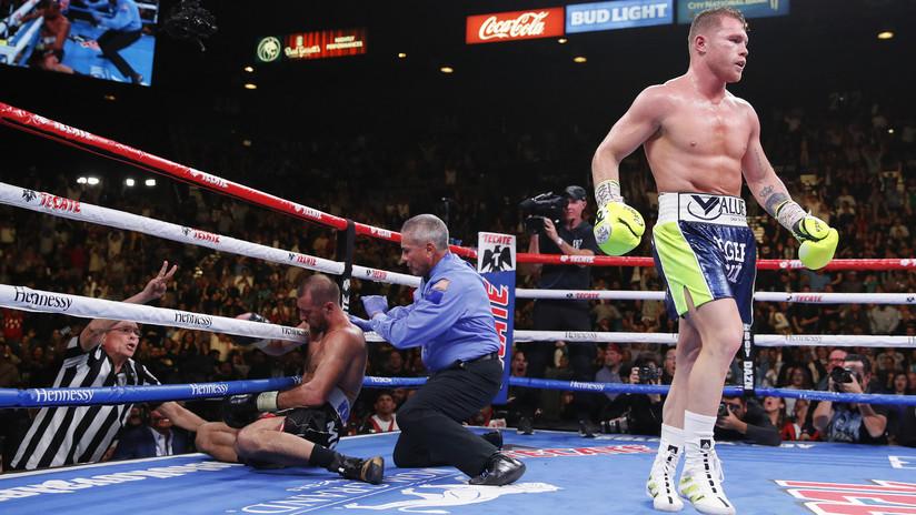 El boxeador mexicano Saúl 'Canelo' Álvarez gana el cinturón semipesado tras noquear al ruso Kovalev