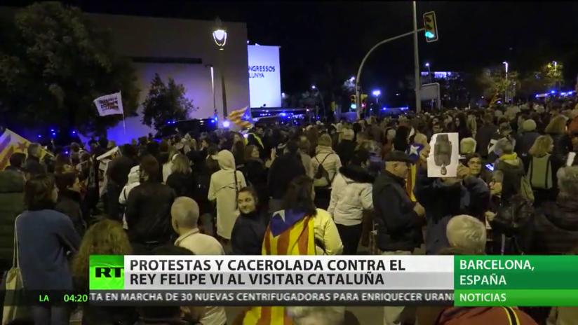 Protestas y cacerolada contra el rey Felipe VI al visitar Cataluña