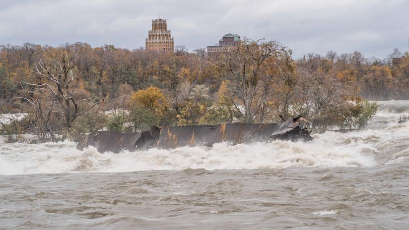 VIDEO: Fuertes vientos y lluvias desencallan barco atrapado en las rocas del Niágara durante 101 años