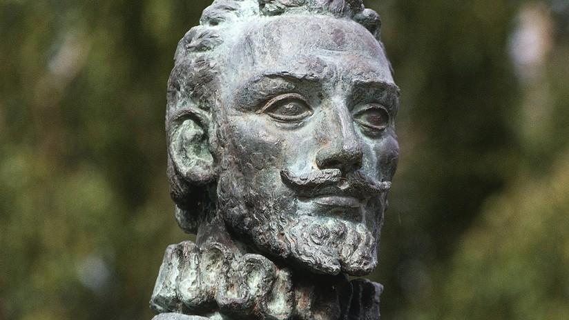 VIDEO: Mapuches derriban estatuas de conquistadores españoles en Chile