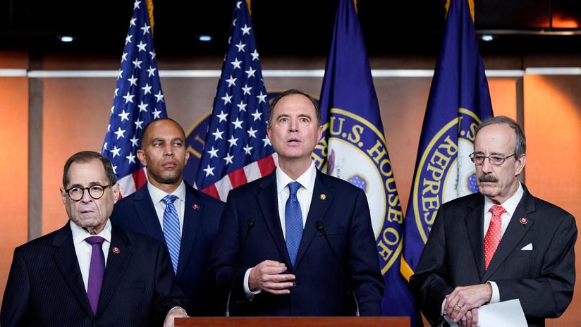 Publican las primeras transcripciones de testimonios en la investigación de juicio político contra Trump