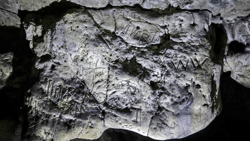 FOTOS, VIDEO: Científicos logran reproducir las 'marcas de brujas' hechas hace siglos en una cueva del Reino Unido