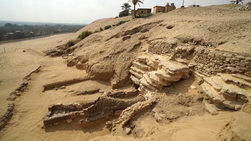 FOTOS: Descubren en Egipto una catacumba de hace 2.000 años con momias y estatuas