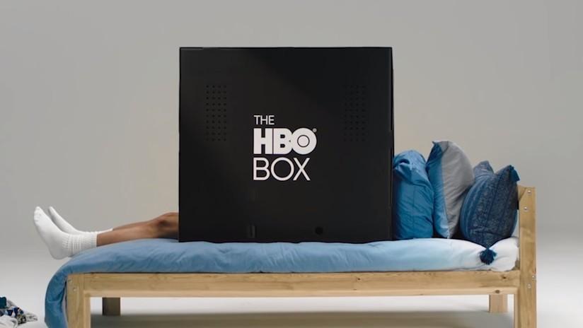 VIDEO: HBO ofrece cajas de cartón negras para ver la televisión sin molestias