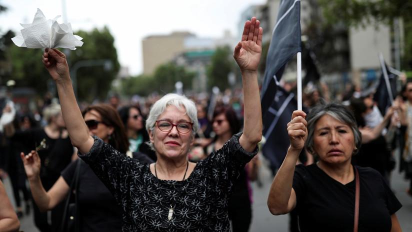 Violaciones y agresiones sexuales: la violencia de los policías y militares en Chile