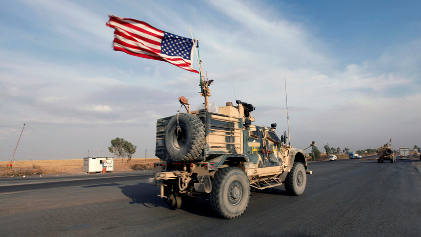 """Reportan que Trump aprobó ampliar la misión militar destinada a """"proteger"""" los campos petrolíferos de Siria"""