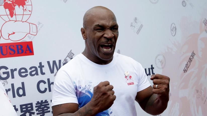 VIDEO: Mike Tyson muestra una impresionante técnica al entrenar a una estrellade UFC para su posible pelea contraTyson Fury