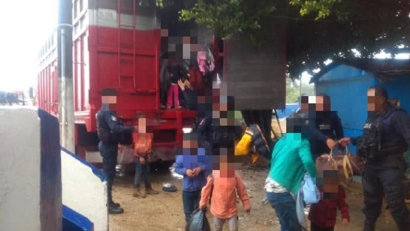 Rescatan a 100 migrantes centroamericanos en el estado mexicano de Veracruz
