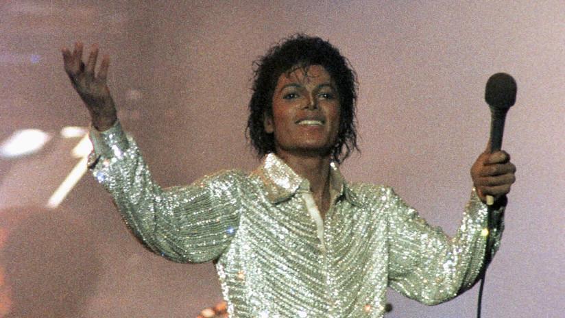 FOTO: Subastan los calcetines con los que Michael Jackson hizo su primera 'caminata lunar'