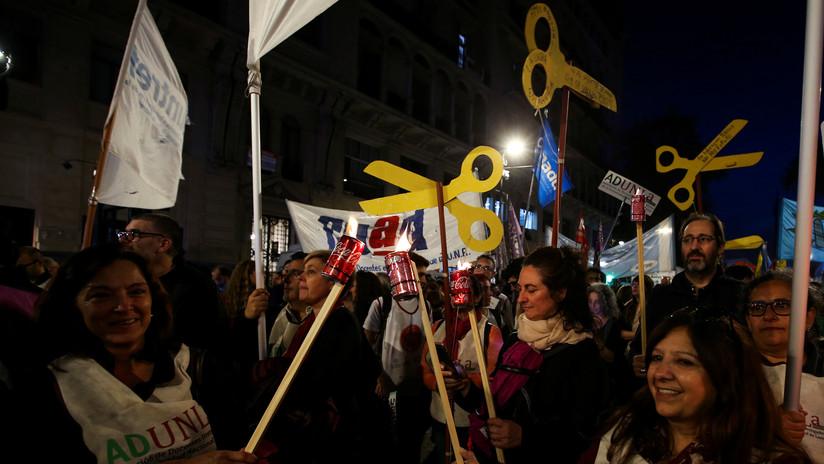 Docentes de Argentina convocan a un paro nacional en solidaridad con los maestros de Chubut