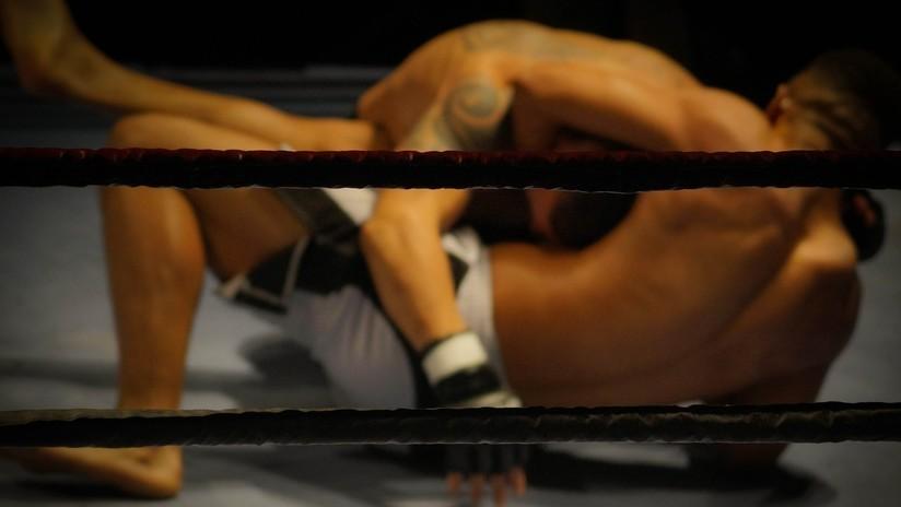 VIDEO: Campeón de Muay Thai noquea a un medallista olímpico con una brutal patada a la cabeza en un combate de MMA