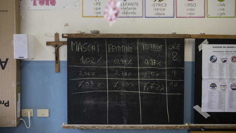 Una maestra golpeó salvajemente y le pisó la cabeza a una alumna