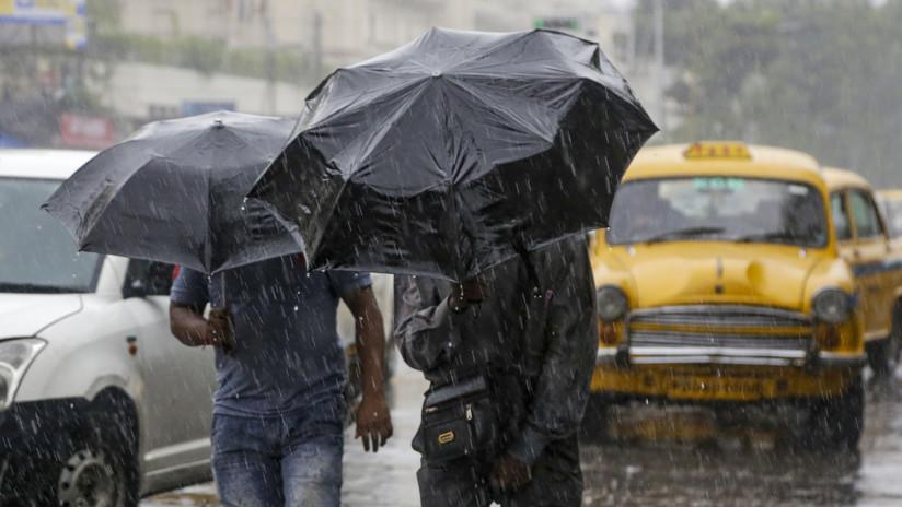 Evacúan a casi dos millones de personas en India y Bangladés por el paso del potente ciclón Bulbul