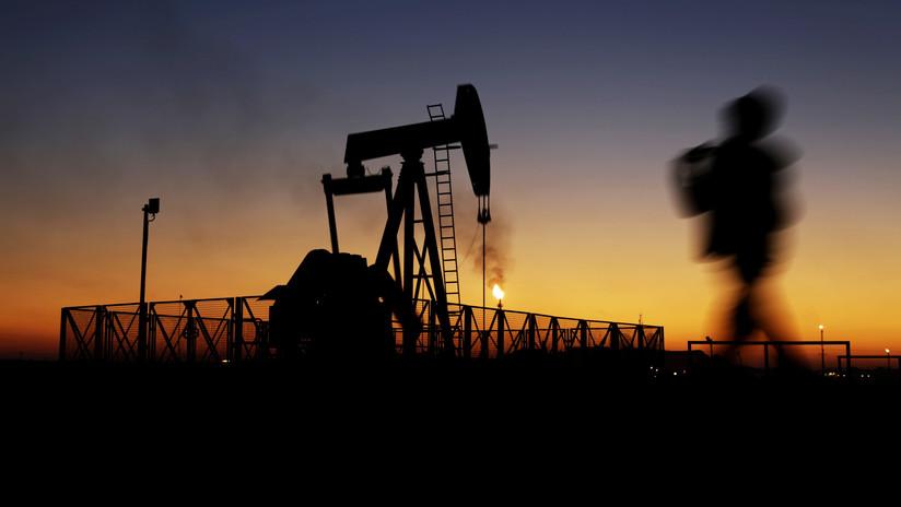 Irán anuncia el hallazgo de un nuevo gran campo petrolífero
