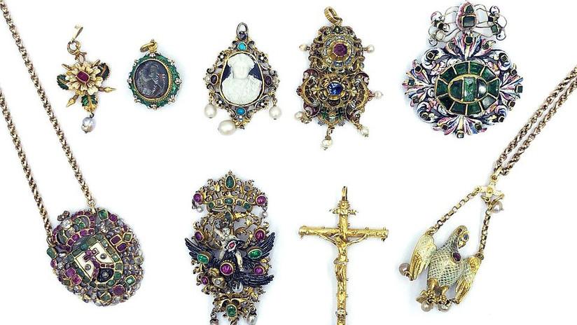 FOTO: Hallan joyas escondidas por más de 127.000 dólares en el congelador de una anciana fallecida