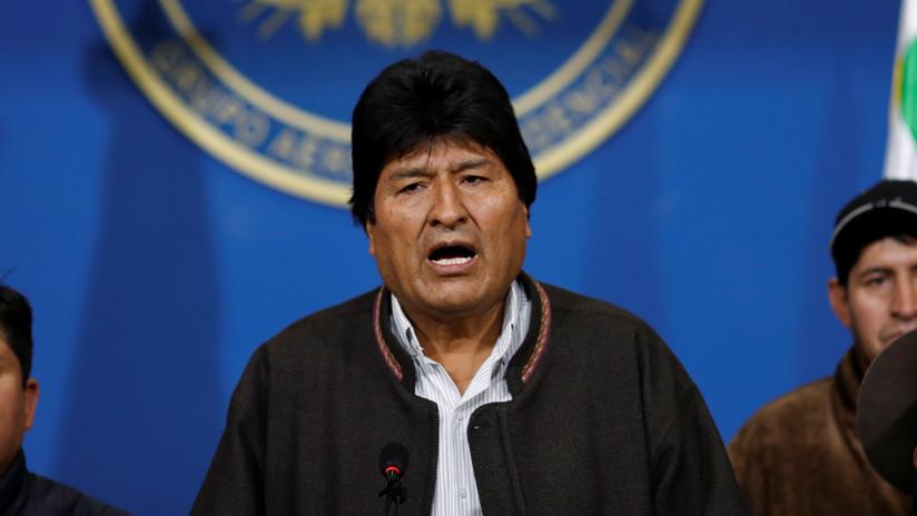 """Evo Morales: """"Mesa y Camacho pasarán a la historia como racistas y golpistas"""""""
