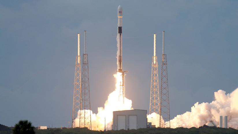 ¿Luces extrañas en el cielo? Fueron lanzados 60 satélites al espacio